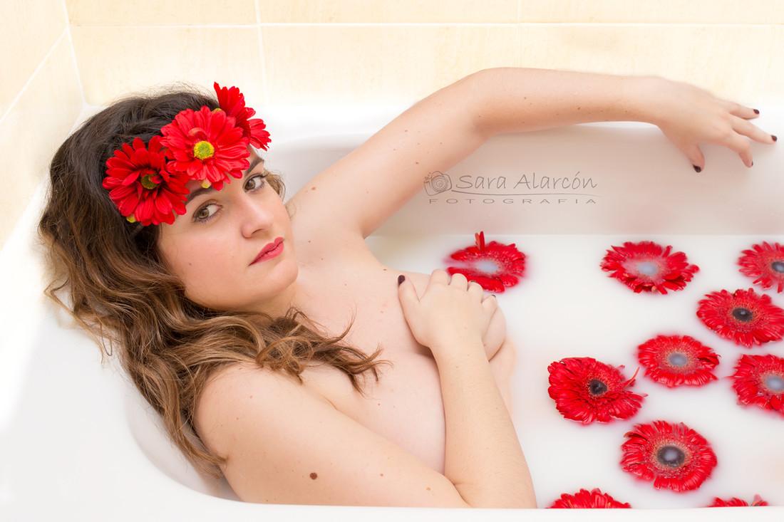 sesion-de-fotos-bañera-con-leche-embarazo-lleida-balaguer_MG_9628