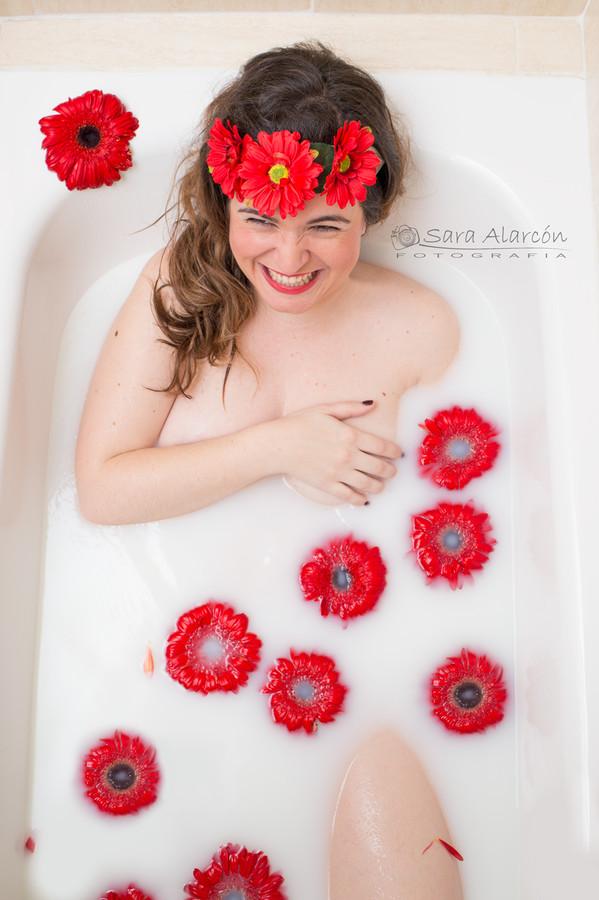 sesion-de-fotos-embarazo-bañera-de-leche-lleida-balaguer-españa_MG_9635