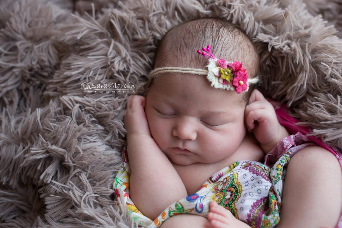 fotografa-enpecializada-en-newborn-en-lleida-sesion-newborn-en-lleida_MG_6857