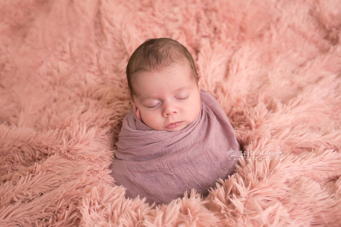 Fotografa-de-recien-nacidos-newborn-en-lleida-especialista-en-newborn_MG_6774